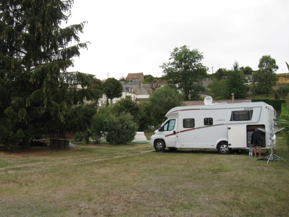 Aire camping-car à Noizay (37210) - Photo 3